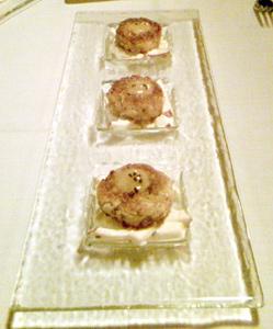 Noma Crabcakes appetizer